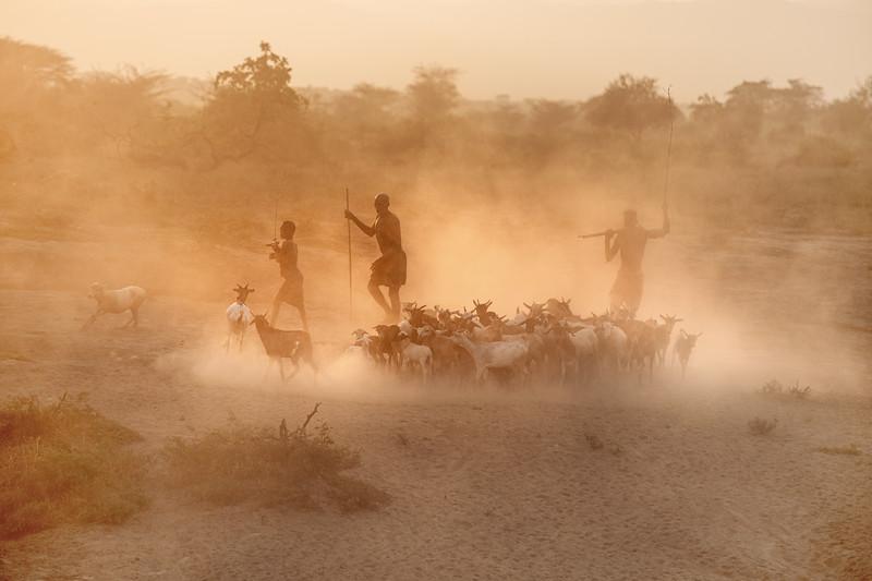 Kara herders, Dus village