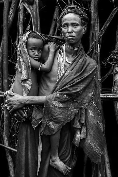 Mother and child Arbore, Lake Stefanie