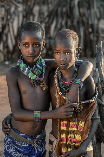 Young Hamar girls