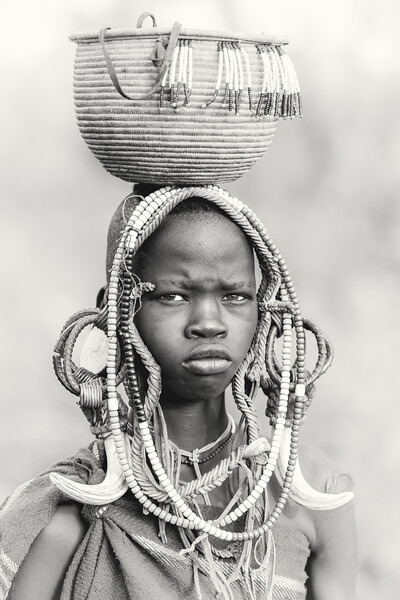 Mursi adornment, Mago