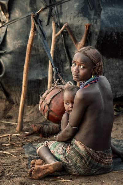 Dassenech mother and child