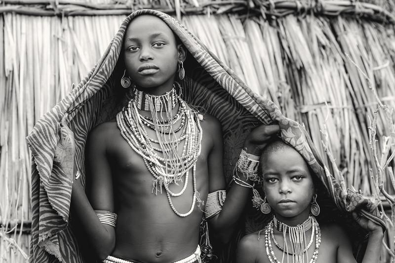 Girls of Arbore, Chew Bahir