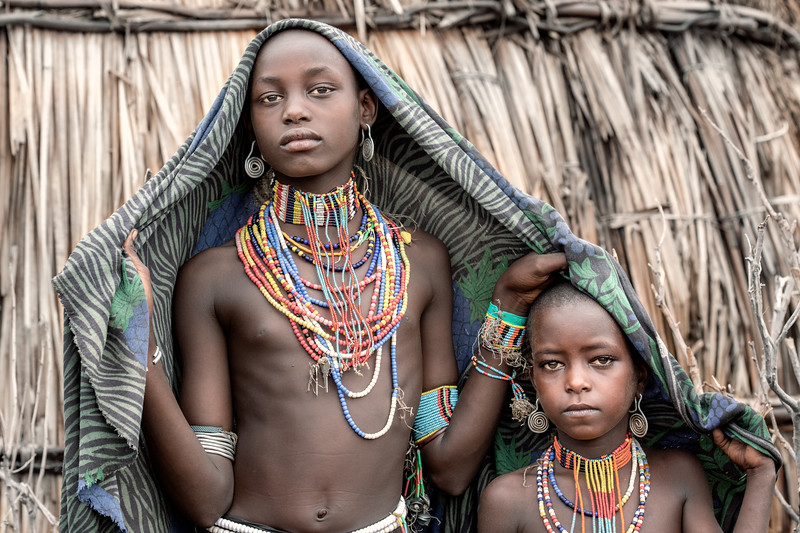 Girls of Arbore