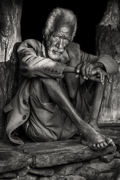 Old Konso man at rest