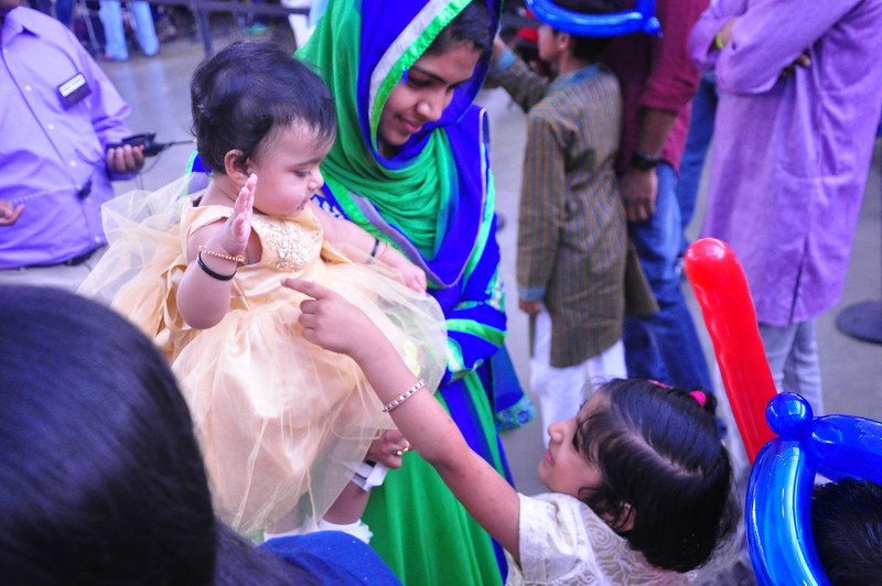 India Fest Shaheela Shameer ( blue and green) Nayana Shobby ( baby) Naisha Shameer (white)