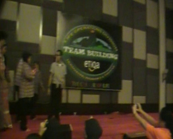 (Video) 2010 Life Operation Team Building