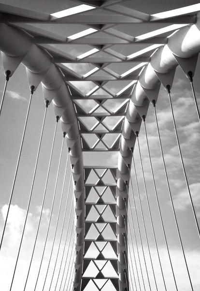 Spanning the Skyby Doris Woudenberg