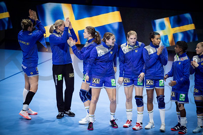 Team Sweden - Women's EHF EURO 2018, preliminary round game -  Group A - Sweden - Serbia in Hall XXL Nantes, Nantes, France 02.12.2018. Mandatory Credit © Anze Malovrh / kolektiff