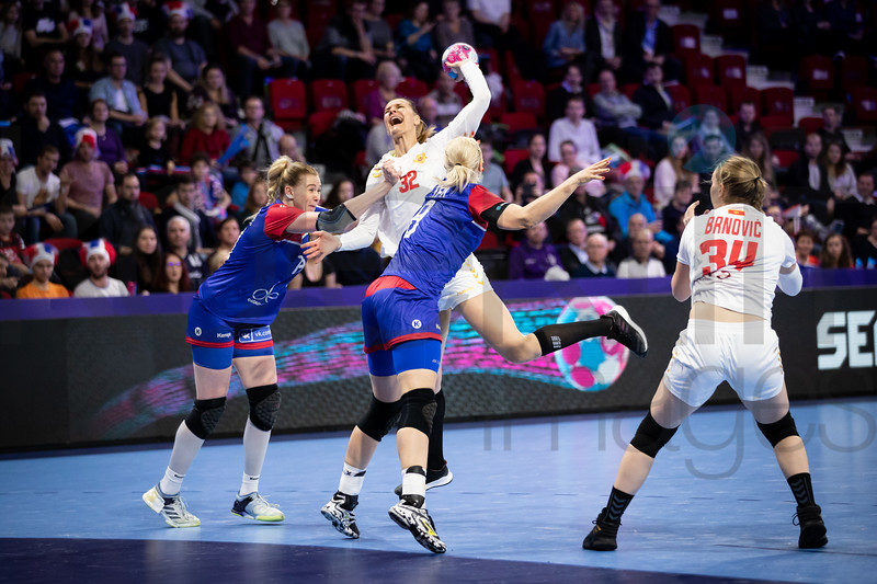 Katarina Bulatovic (32), Anna Sen (8) and Tatjana Brnovic (34) - Women's EHF EURO 2018, preliminary round game -  Group B - Russia - Montenegro in Palais des sports Jean Weille Nancy, Nancy, France 02.12.2018. Mandatory Credit ©  Uros Hocevar / kolektiff