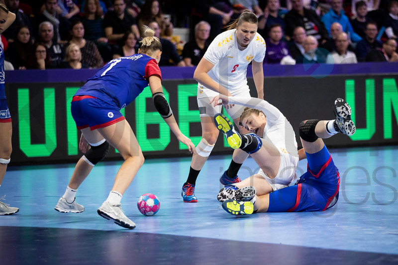 Daria Dmitrieva (7), Durdina Jaukovic (9) and Ema Ramusovic (66) - Women's EHF EURO 2018, preliminary round game -  Group B - Russia - Montenegro in Palais des sports Jean Weille Nancy, Nancy, France 02.12.2018. Mandatory Credit ©  Uros Hocevar / kolektiff