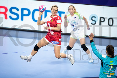 Nina Zulic (18) and Branka Zec (1) - Women's EHF EURO 2018, preliminary round game -  Group B - Russia - Slovenia in Palais des sports Jean Weille Nancy, Nancy, France 4.12.2018. Mandatory Credit ©  Uros Hocevar / kolektiff