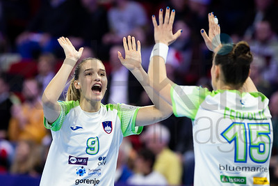 Nina Zabjek (9) and Teja Ferfolja (15) - Women's EHF EURO 2018, preliminary round game -  Group B - Russia - Slovenia in Palais des sports Jean Weille Nancy, Nancy, France 4.12.2018. Mandatory Credit ©  Jure Erzen / kolektiff
