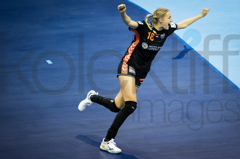 Kelly Dulfer (18) - Women's EHF EURO 2018, preliminary round game - Group C - Hungary - Netherlands in L'Axone, Montbeliard, France, 01.12.2018. Mandatory Credit ©  Uros Hocevar / kolektiff