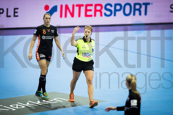 Lois Abbingh (8) - Women's EHF EURO 2018, preliminary round game - Group C - Hungary - Netherlands in L'Axone, Montbeliard, France, 01.12.2018. Mandatory Credit ©  Uros Hocevar / kolektiff