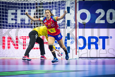 Ivana Kapitanovic (12) and Jennifer Gutierrez Bermejo (17) - Women's EHF EURO 2018, preliminary round game - Group C - Spain - Croatia in L'Axone, Montbeliard, France, 01.12.2018. Mandatory Credit ©  Uros Hocevar / kolektiff