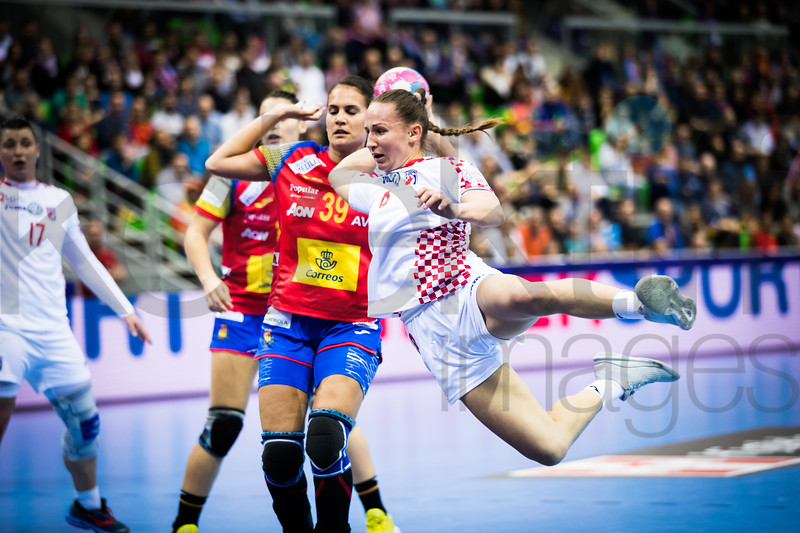 Katarina Jezic (17) and Almudena Rodriguez (39) - Women's EHF EURO 2018, preliminary round game - Group C - Spain - Croatia in L'Axone, Montbeliard, France, 01.12.2018. Mandatory Credit ©  Uros Hocevar / kolektiff