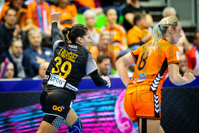 Almudena Rodriguez Rodriguez (39) and Lois Abbingh (8) - Women's EHF EURO 2018, preliminary round game - Group C - Netherlands - Spain in L'Axone, Montbeliard, France, 03.12.2018. Mandatory Credit ©  Jure Erzen / kolektiff