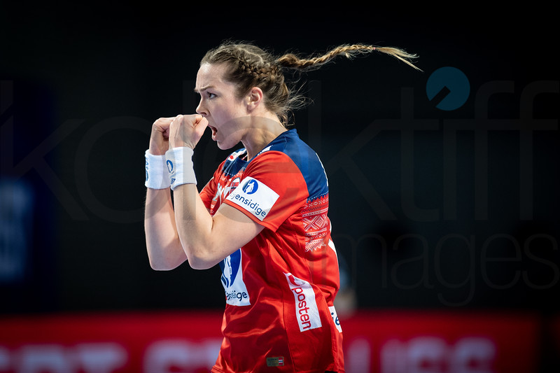 Kari Brattset (13) - Women's EHF EURO 2018, preliminary round game -  Group D - Norway - Germany in Brest Arena, Brest, France, 01.12.2018. Mandatory Credit ©  Nebojsa Tejic