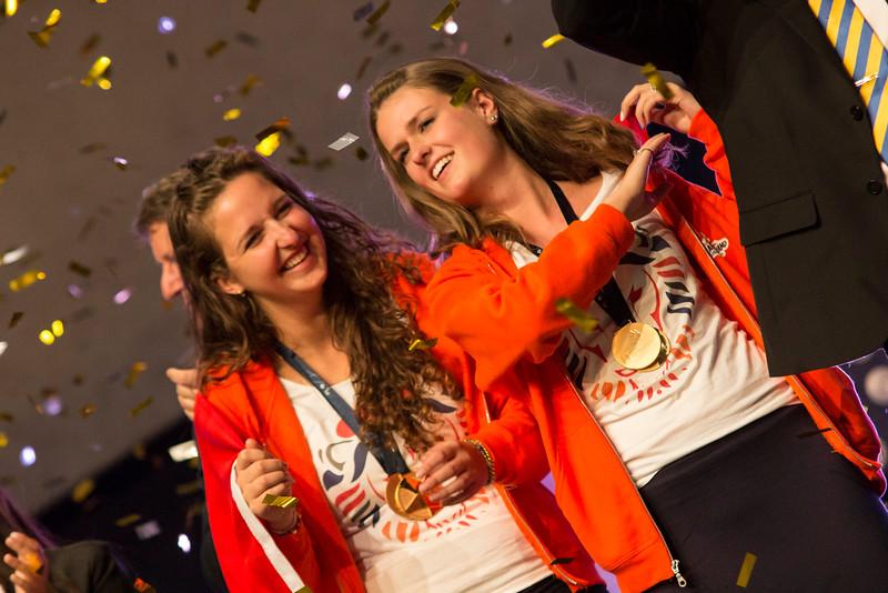 Britt Wijnen & Nadine Klingen - Etaleren