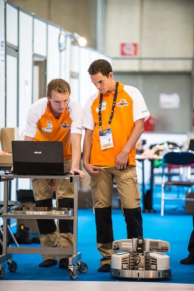 Arjan Henst & Fer van Maasakkers - Mobiele Robotica