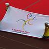 Jeudi 20 juillet, il est temps de prendre congé de l'édition portugaise de l'Eurogym et de prendre rendez-vous pour 2014 à Helsingborg (Suède). On redescend le drapeau, puis c'est la fête. Les gymnastes s'échangent notamment leurs t-shirts. Puis c'est une sarabande endiablée ponctuée par un magnifique feu d'artifice. Merci à tous ces gymnastes et aux organisateurs portugais.