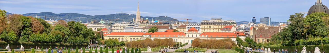 Prunkvolles Stiegenhaus mit Stufen aus Kaiserstein, Belvedere, Wien