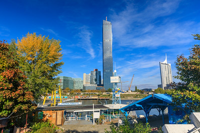 DC Tower und Wiener Neustadt
