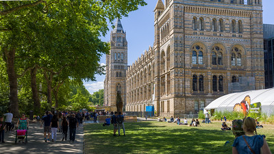 The fassade of the Natural History Museum, London