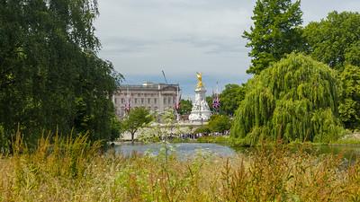 St. James's Park, Victoria Memorial, Buckingham Palace, London