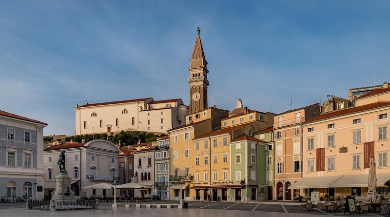 Spaziergang in Piran: Blick vom Tartini-Platz Richtung Glockenturm