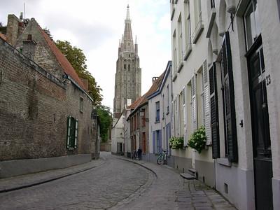 Onze-Lieuwe-Vrouwekerk i enden av Heelige Geestraat (Foto: Ståle)