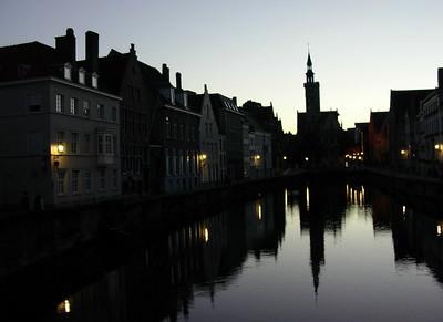 Kveld i Van Eyckplein (Foto: Ståle)
