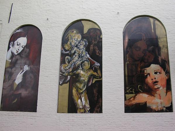 Malerier på Arentshuis (Foto: Ståle)