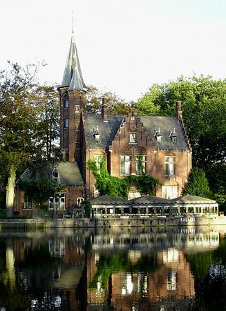 Kirke ved Minnewaterpark (Foto: Ståle)