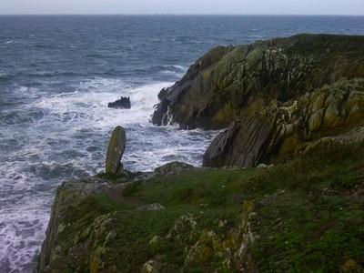 Naturlig obelisk ved Pointe St Mathieus klipper (Foto: Ståle)
