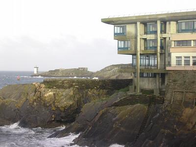 Hotel la Pointe Sainte Barbe henger over klippene ved Le Conquet (Foto: Ståle)