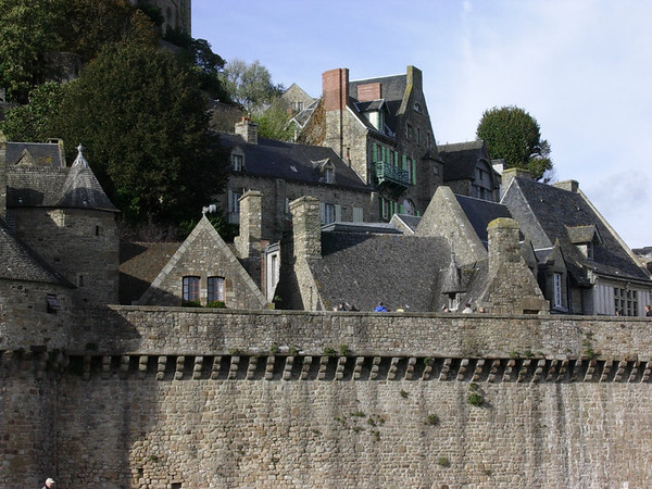 Bebyggelse bak bymuren (Foto: Ståle)