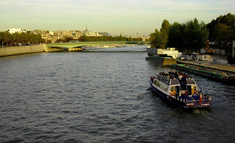 Seinen fra Pont Diena (Foto: Ståle)