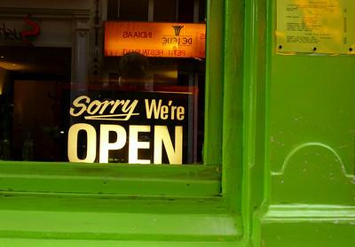 """Velkomstskilt"""" til """"Foodism i Oude Leliestraat 8 (Foto: Ståle)"""