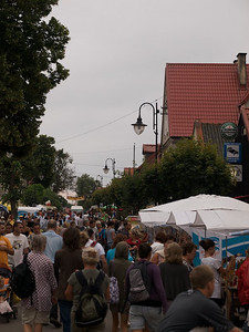 Cars were into the thousands, people into the ten thousands at Hel and Jashmania. A lovely spot, but just a little too overcrowded. (Foto: Geir)