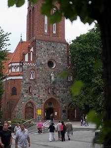 The entrance to the St. George's Church in Sopot. Beautifully built, beautifully situated in the center of town up on a hill with the sea behind it. (Foto: Geir)