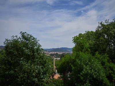 Pamplona ligger ved foten av Pyreneene, midt i hjertet av Baskerland, byen på sletten.