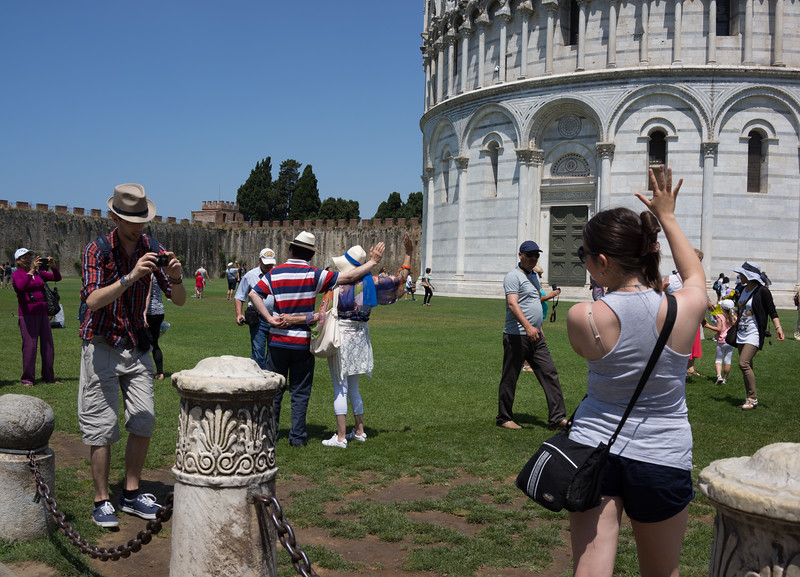 The Pisa salute. Most people seem to do it.