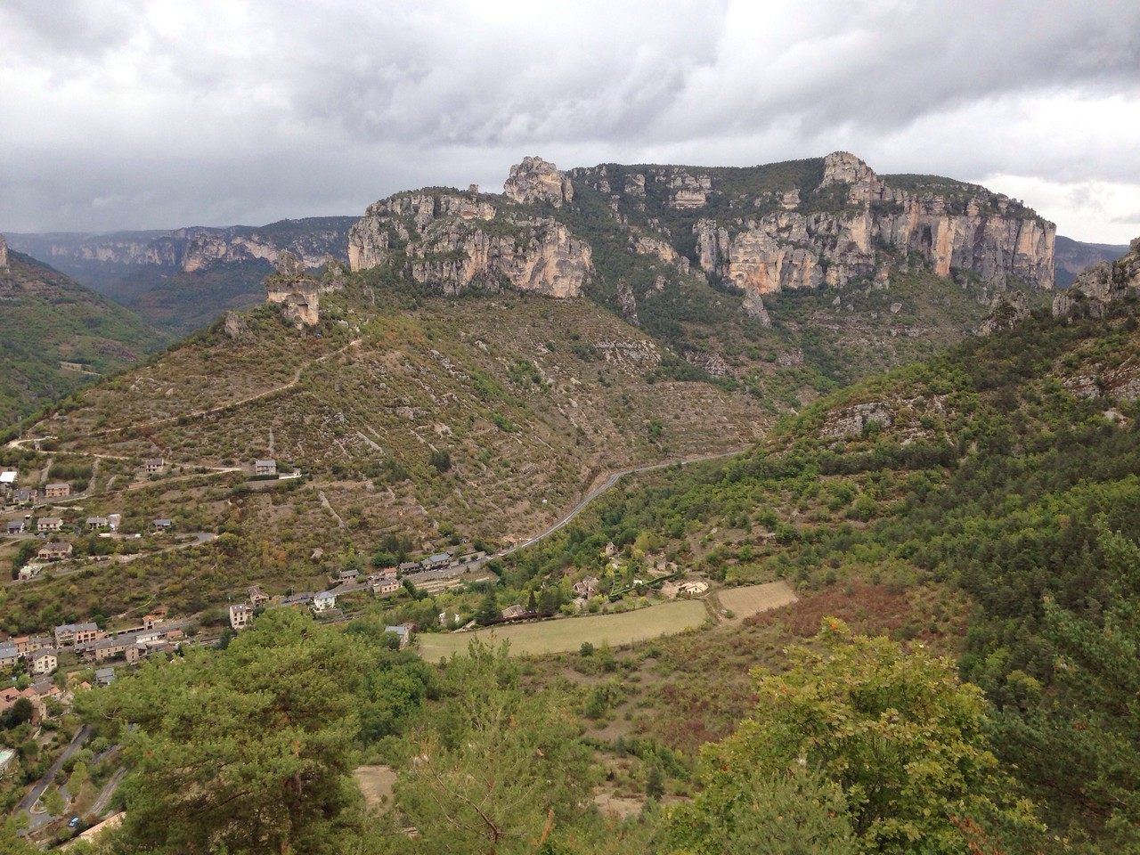 It starters to rain again as we left, but we were treated to a gorgeous view again to La Jonte and Le Tarn gorges as we headed back!