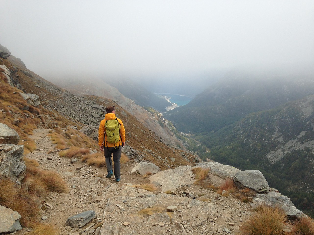 The walk was very spectacular, despite the low cloud.  You can just see another dam (not the one we're staying near) at the bottom of the valley.<br /> <br /> The walk was mostly a traverse, which was nice as it wasn't too taxing and we got to take in the views.