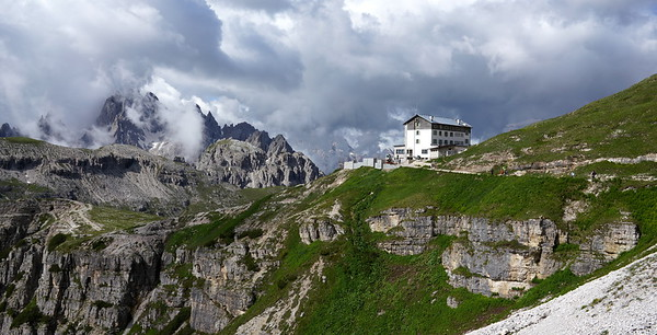 Rifugio Auronzo (2,333m)