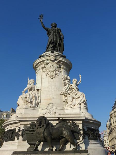 526 - Paris - Republique-Monument-To-Third-Republic