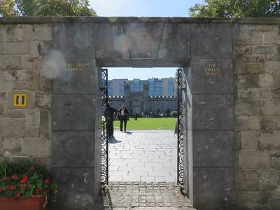 010 - Dublin - Dublin-Castle-Gardens-Entrance