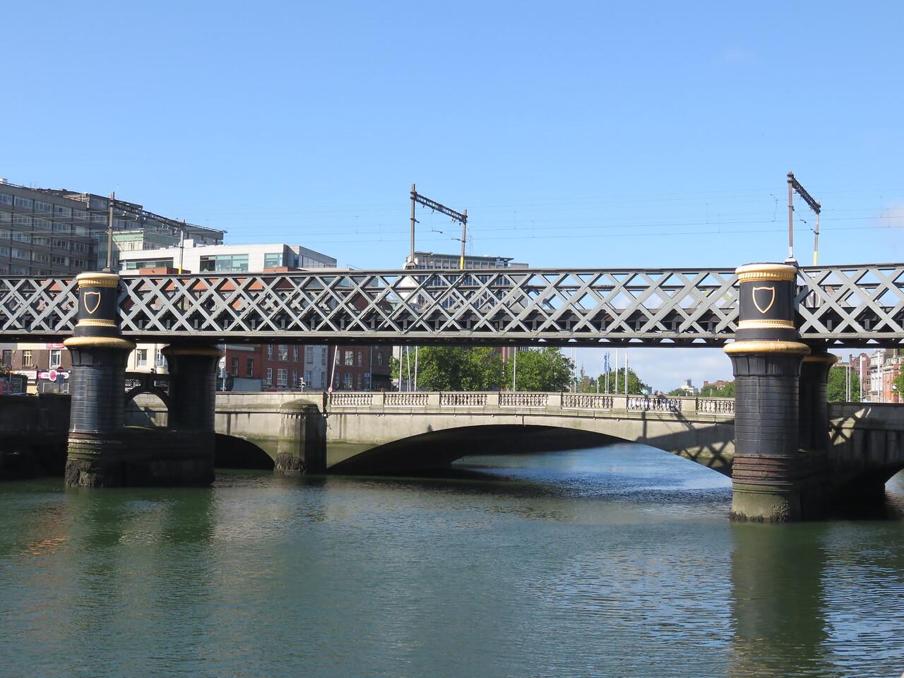 004 - Dublin - The-Guinness-Bridge