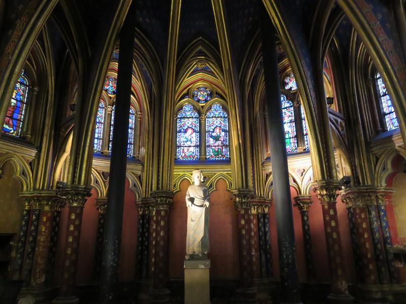488 - Sainte-Chapelle - Statue-Of-Louis-Ix